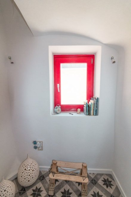 airbnb-perissa-santorini-3