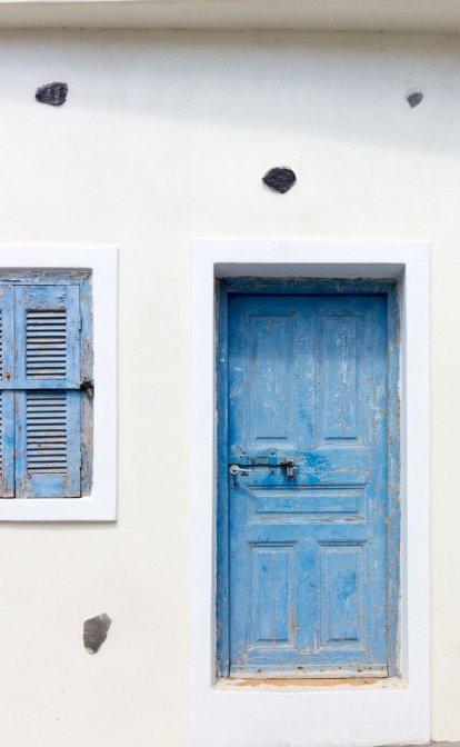 blue-door-santorini-2