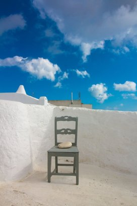 chair-santorini-greece