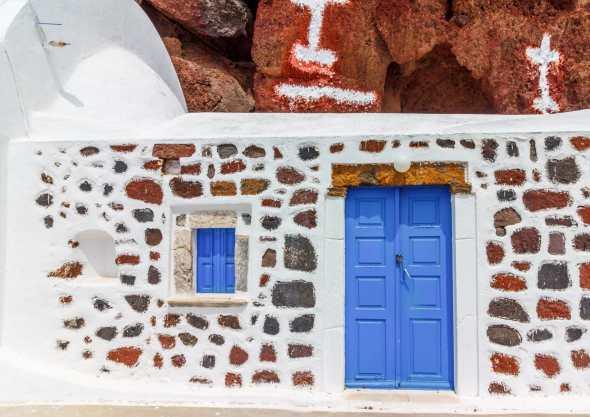 greece-santorini-blue-door-red-beach