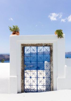 greece-santorini-door