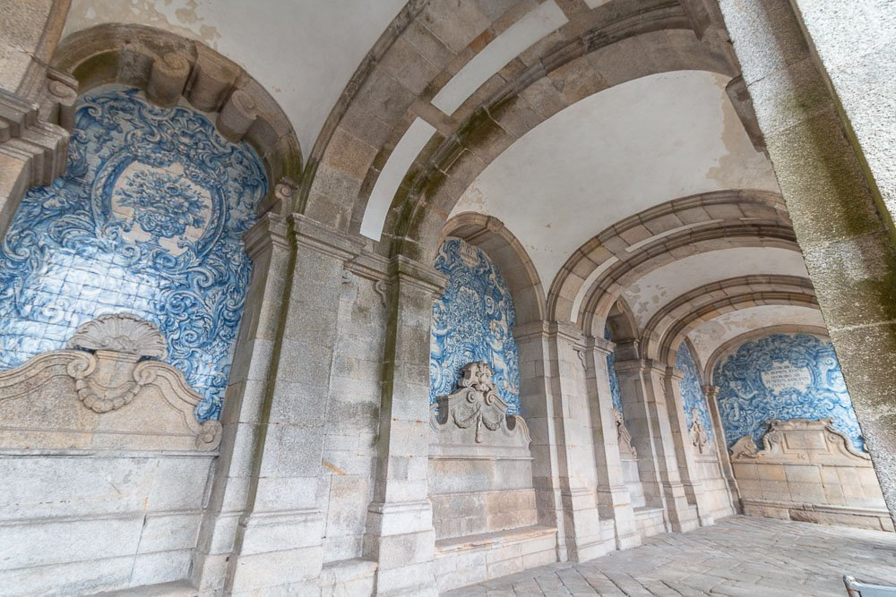 porto cathedral blue tiles