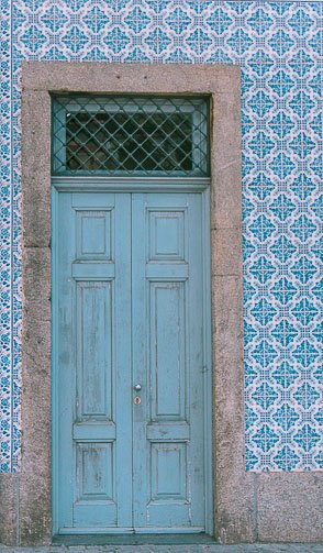portugal blue door feature image