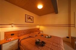 livigno ski apartment
