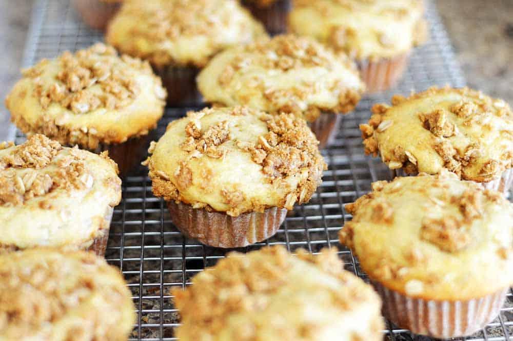 Vegan Banana Streusel Muffins