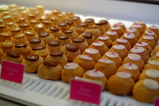 Cream puffs at Popelini by Edward Kimber