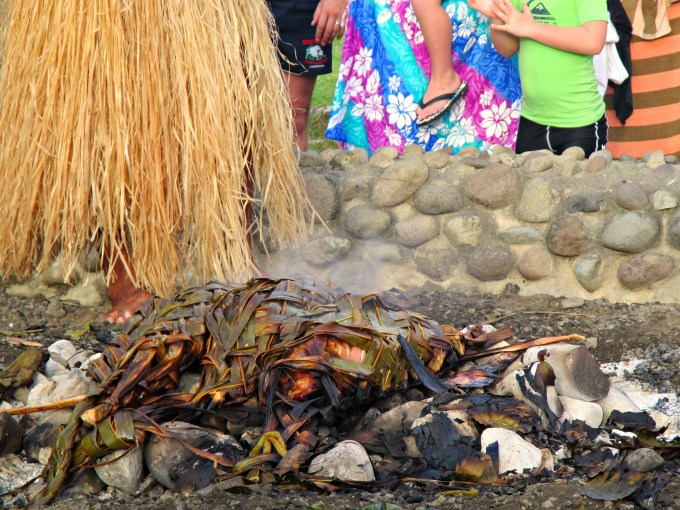 Fijian earth oven by CamliaTWU
