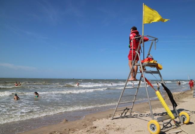 Redders aan zee - gele vlag