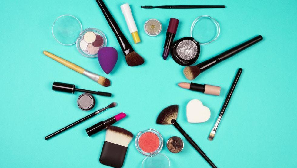 Beauty Blender vs Brush