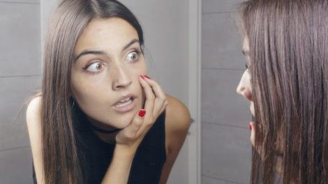 Get Rid of Clogged Pores on chin