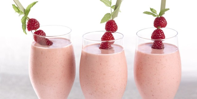 Fresh Raspberry Smoothie for weight lose