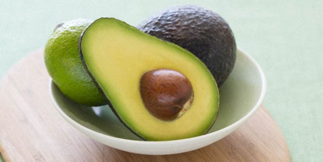 Easy Face Mask Using Avocado