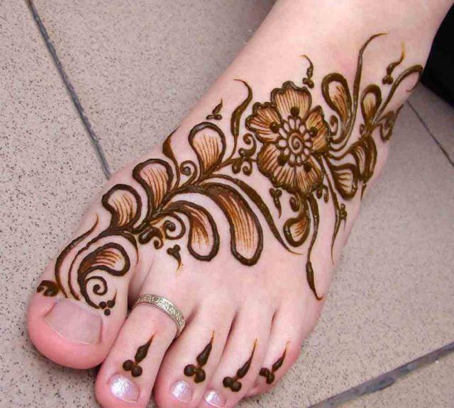 Short & Sweet Shaded Henna Pattern