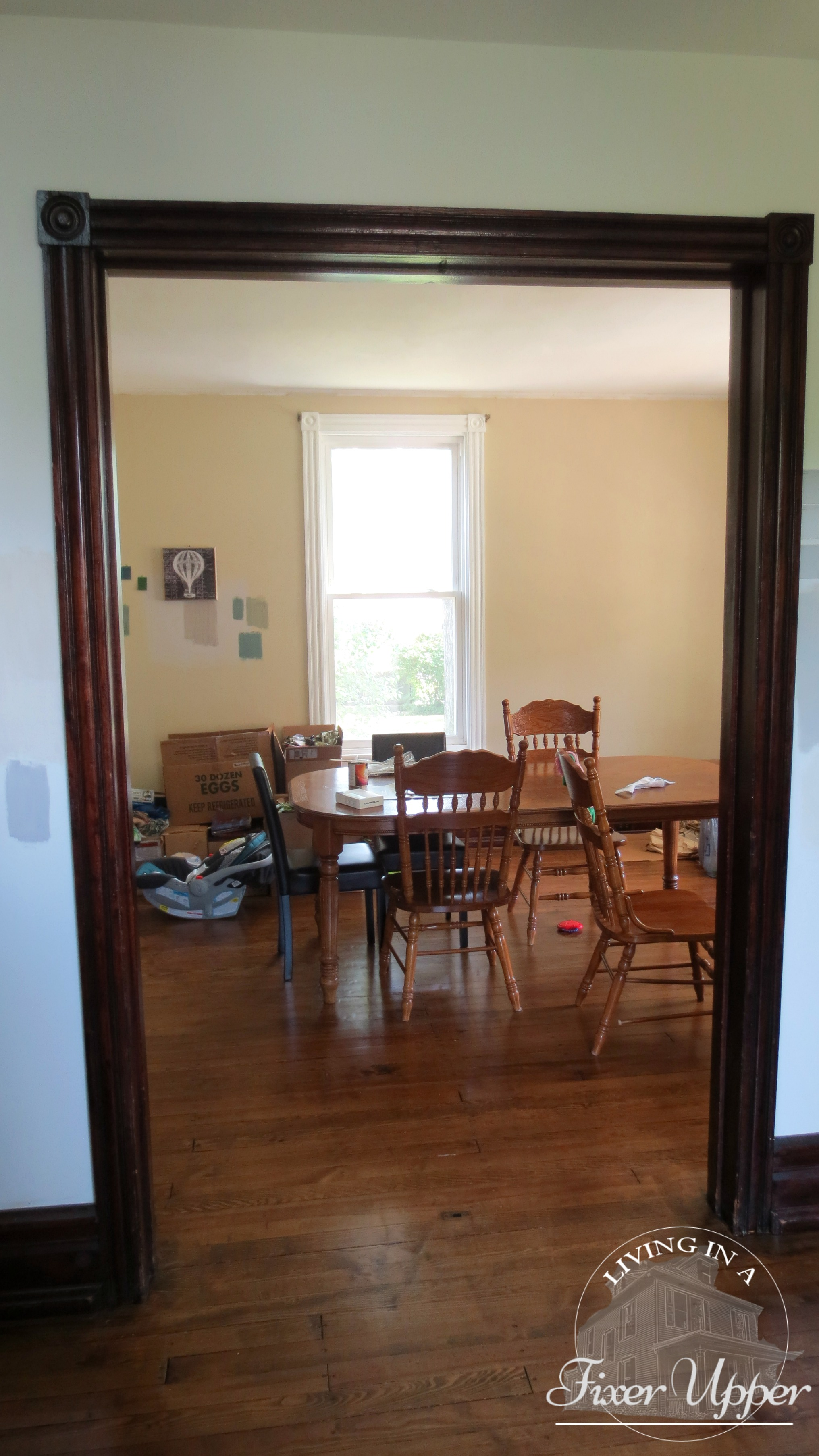 No Paint Ceiling Light And The Only Furniture Is Dining Table Chairs Yes We Do Have Unpacked Boxes In Corner That Sat There