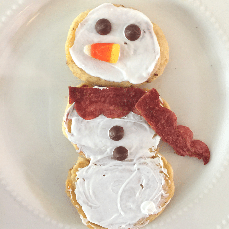 Snowman packed Christmas breakfast idea! Easy, fun holiday breakfast for kids