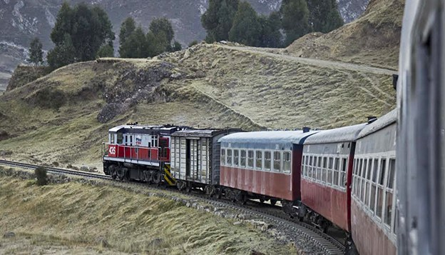 El Tren Macho: Discovering the Central Mountain Range