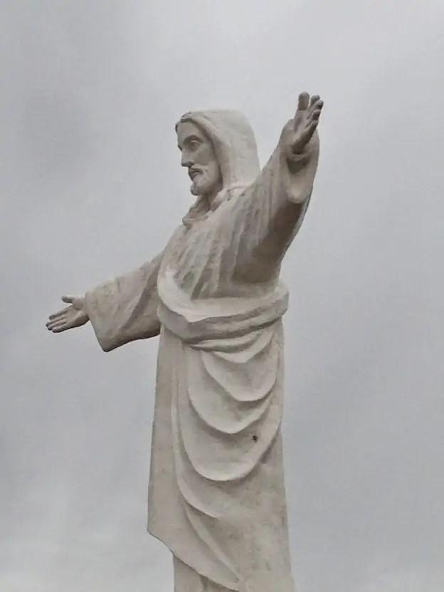 Christo Blanco. Literal translation: White Jesus.