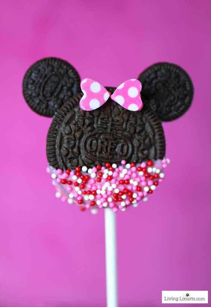 Making Mickey And Minnie Love