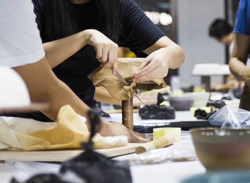 Indoestri-Pottery-Class-Ayu-Larasati-Workshop-by-manual