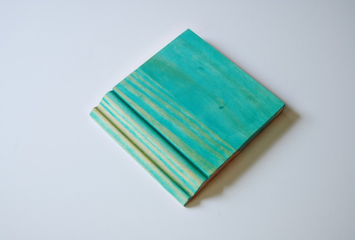Living on Saltwater - Chalk Paint Technique - Staining
