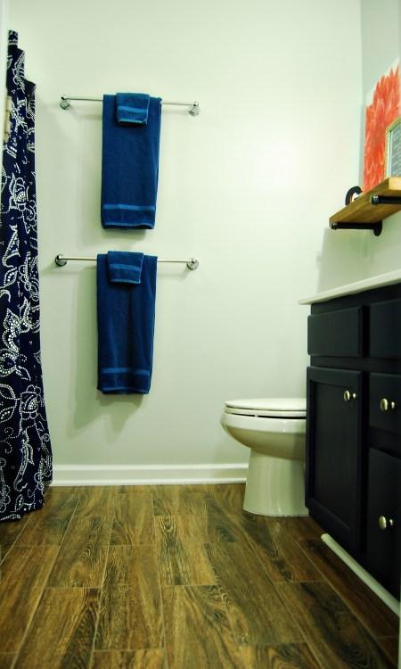 Living on Saltwater - Gray - Navy - Bathroom