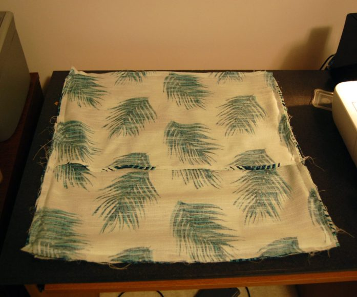 Living on Saltwater - DIY Throw Pillow Cover - Sewing