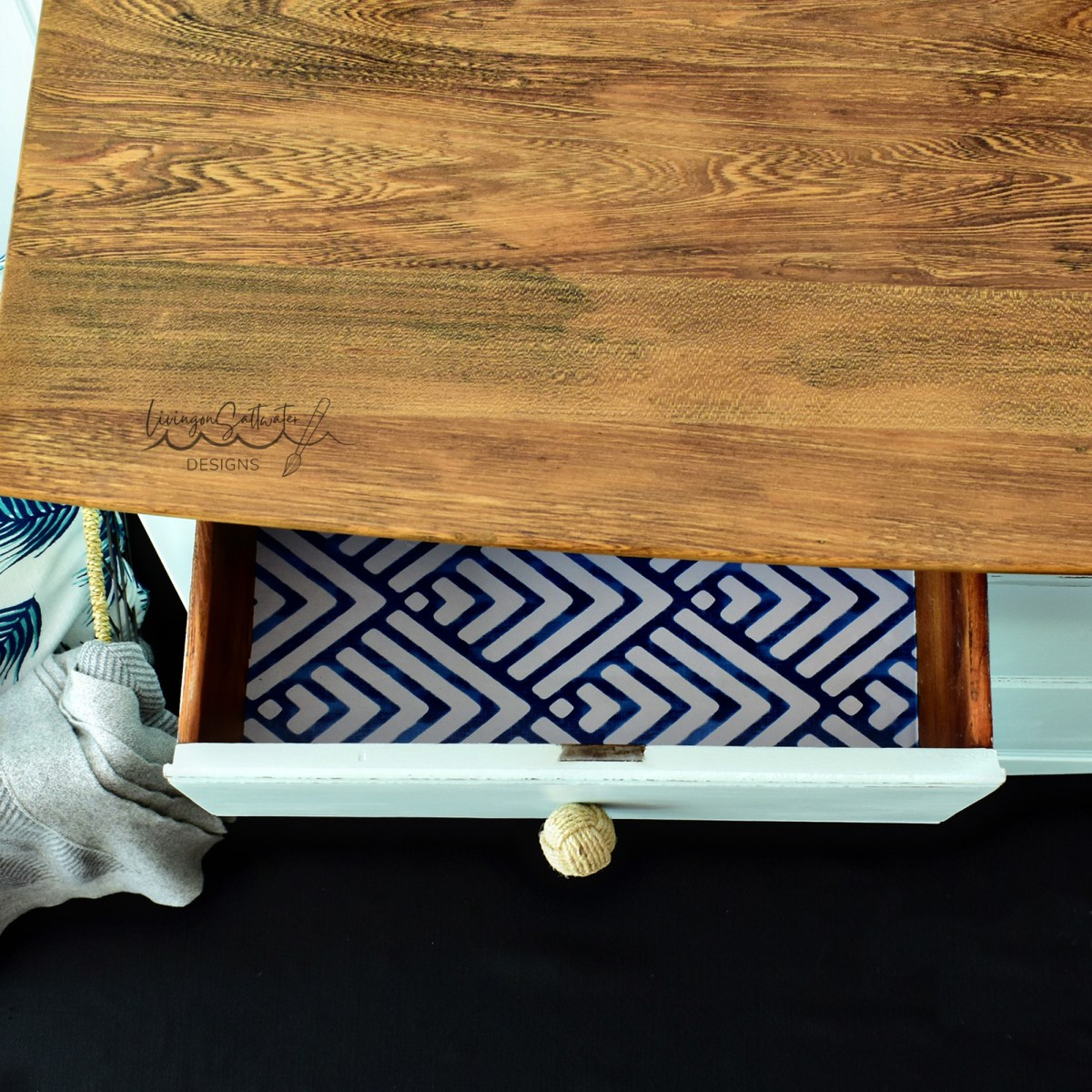 Blue and White Geometric Drawer Liner