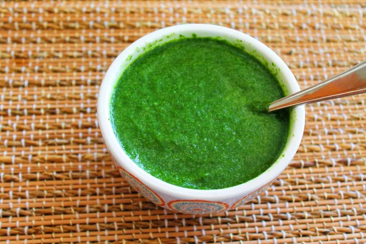 Coriander Mint Chutney / Green Chutney / Dhaniya Pudina Ki Chutney
