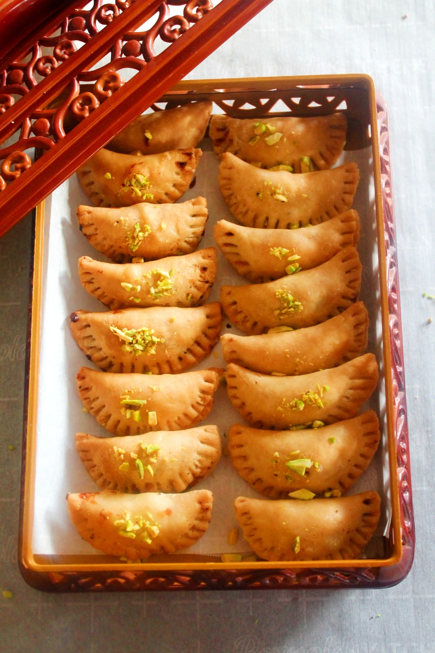 No Fry Gujiya Karanji – Instant Pot, Mealthy Crisplid, Air Fryer, Oven Baked