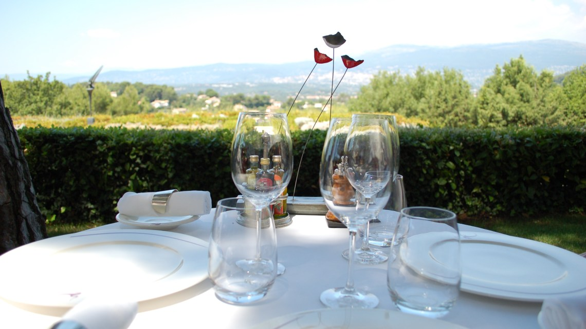 A meal with a view at the French riviera 法國蔚藍海岸的午餐