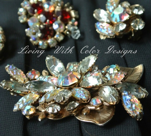vintage flower pin in gold tones livingwithcolordesigns.com
