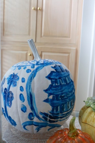 Chinoiserie Pumpkin: Living With Color Designs Blog- side detail