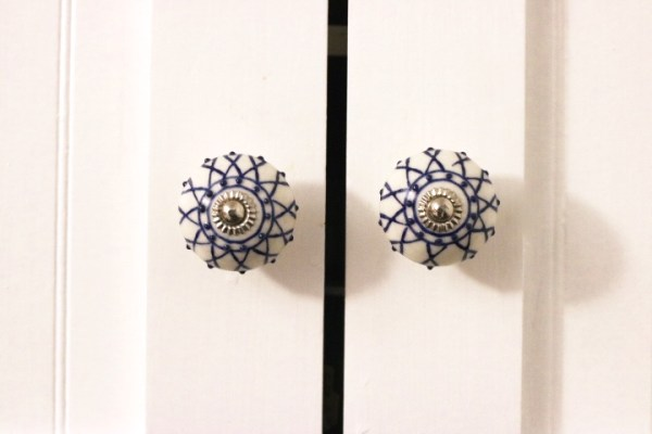 Blue and white ceramic knobs- Blue And White Kitchen: Living With Color Designs