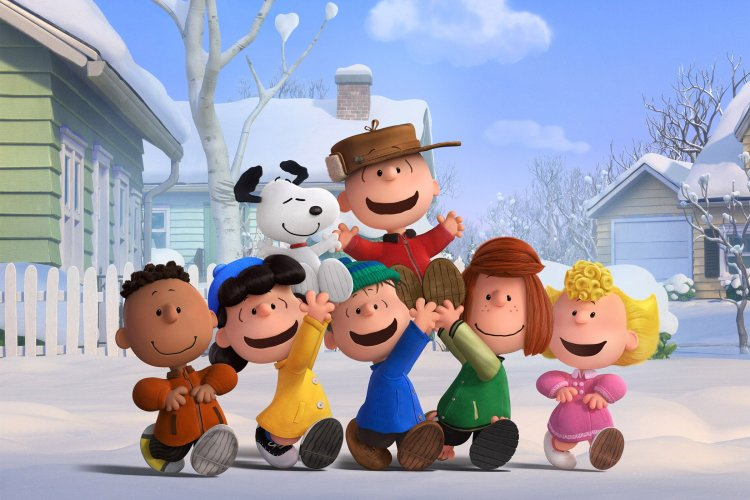PEANUTS PUB STILL B02_WB_: Charlie Brown, Snoopy And The Peanuts Gang (Franklin, Lucy, Linus, Peppermint Patty And Sally) Revel In A Snow Day.   Photo Credit: Twentieth Century Fox & Peanuts Worldwide LLC