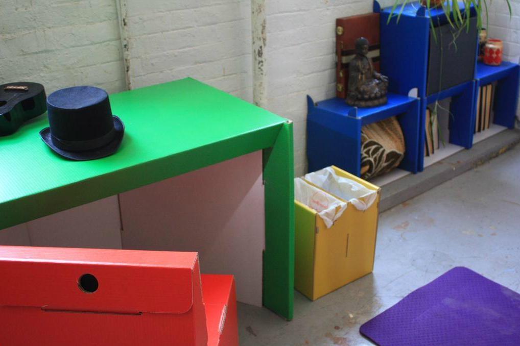 room-in-a-box-desk-1018x678
