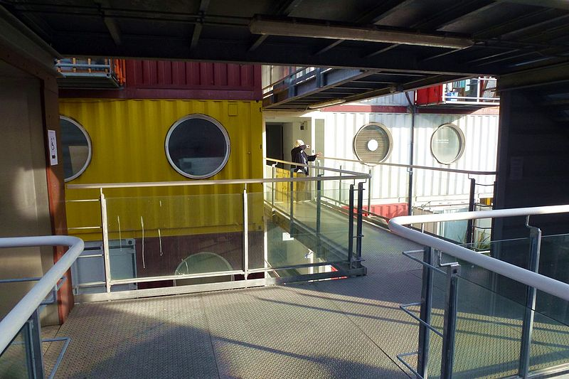 800px-Cmglee_Container_City_corridor