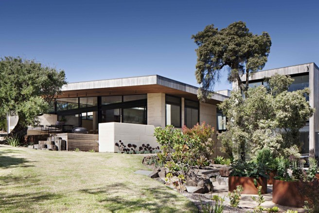 Layer House_11_Robson Rak Arch