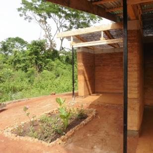 nkabom house_26_rammed earth