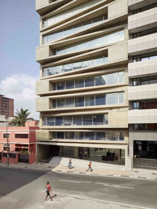 KN10 Building_01_Costa Lopes