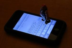 iPhoneで英文字を連続で大文字入力する方法
