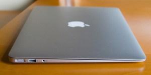 使っていない良さげなブルゾンがあったので、MacBook Air 2012のカバンを作ってみました!