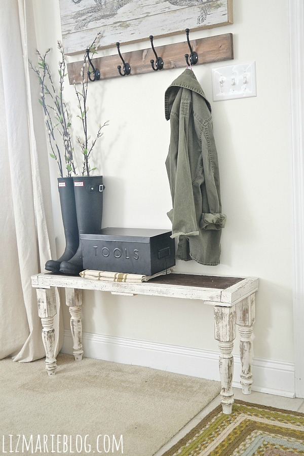 DIY Rustic Bench - So simple anyone can make it!