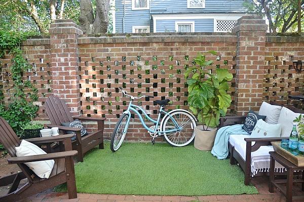 Summer Brick Patio DIY Seating Area   Lizmarieblog.com