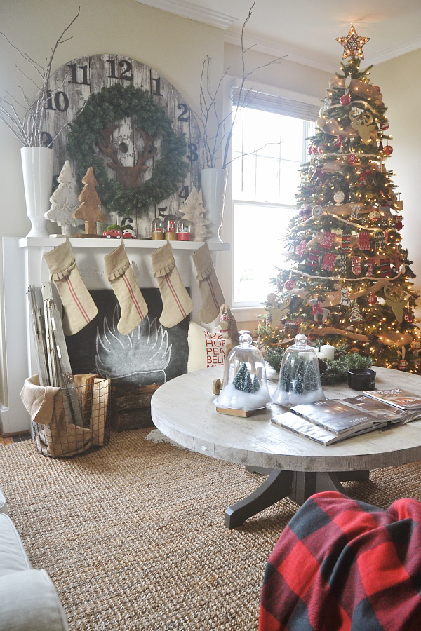 how to decorate your home for christmas on a budget super fast tips
