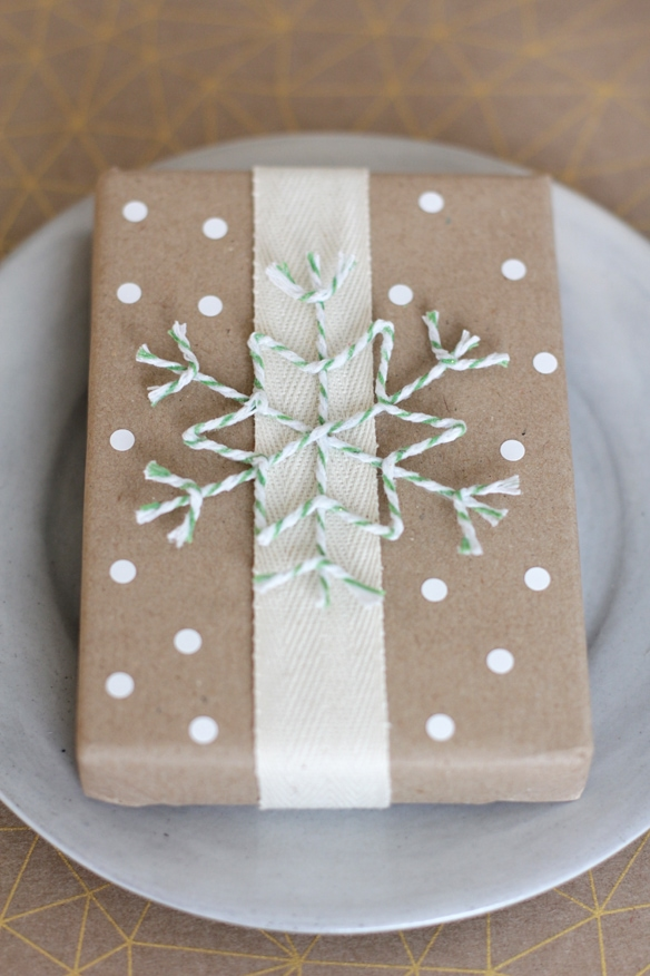 19 Easy DIY Holiday Gift Wrapping Ideas
