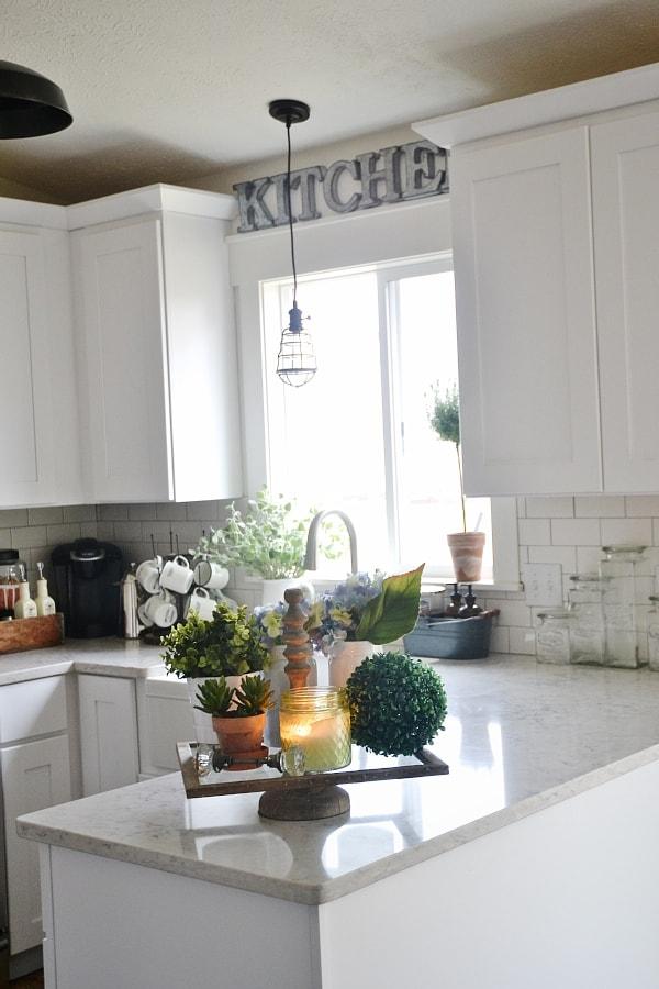 lovely kitchen counter deco | Farmhouse Kitchen Tray - Liz Marie Blog