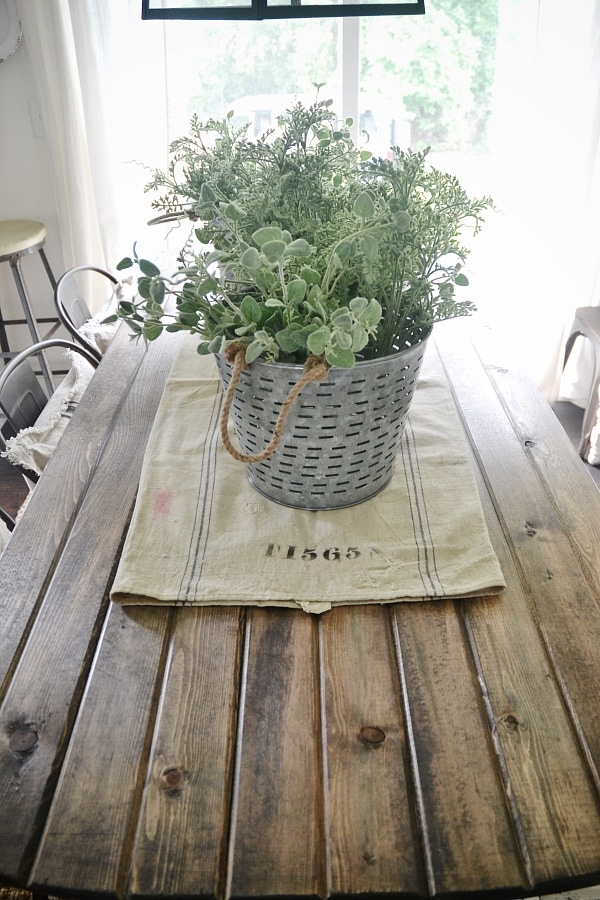 DIY X-Leg Farmhouse Table - So simple to make!!! A must pin for any future farmhouse table building adventures. Such a unique version of the farmhouse table.