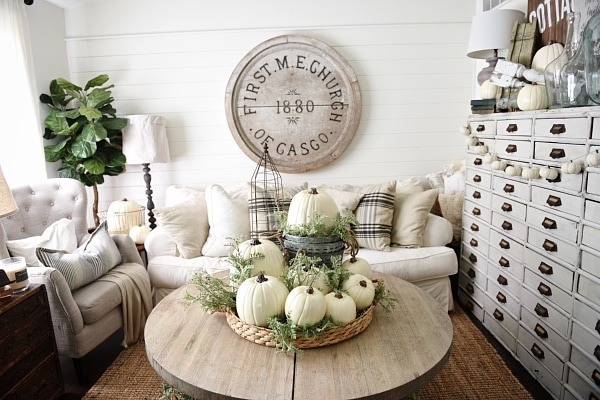 Nice Lovely Neutral Fall decor Rustic cottage fall style