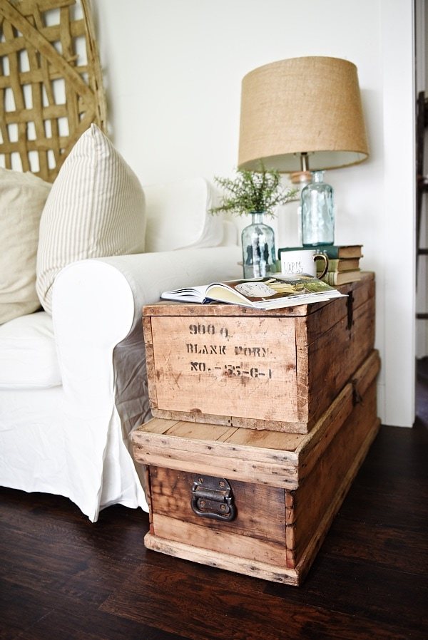 lovely neutral cottage style living room stacked trunk table cozy rustic farmhouse truncate mysql syntax steamer coffee diy reset identity postgres