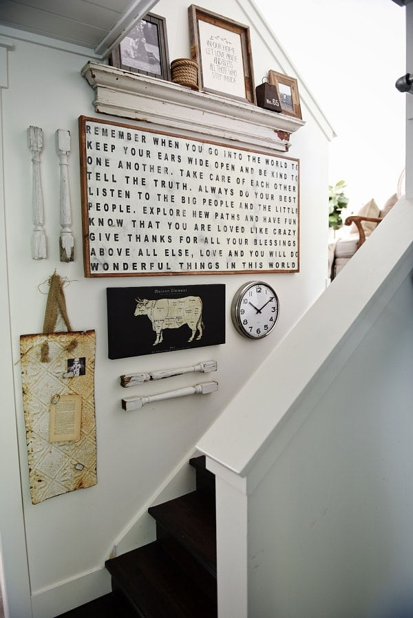 Gallery wall of treasures from Liz Marie Blog  #gallerywall #decorating #decoratingideas #andersonandgrant